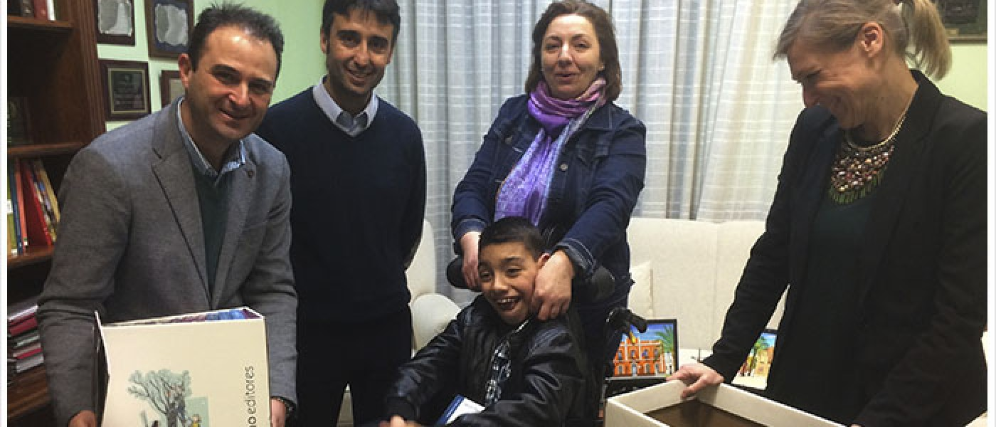 6.000 euros harán posible un tratamiento para Adrián